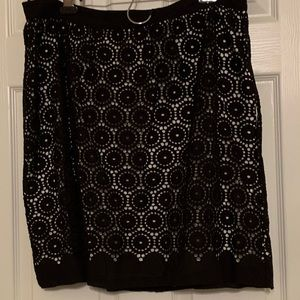 NWT! Venini Black & white skirt sz xl